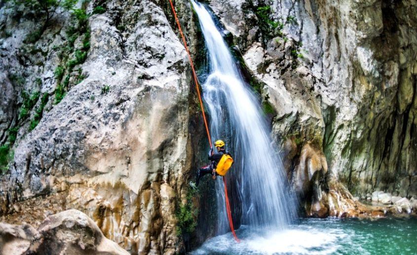 Kanjoning Tara