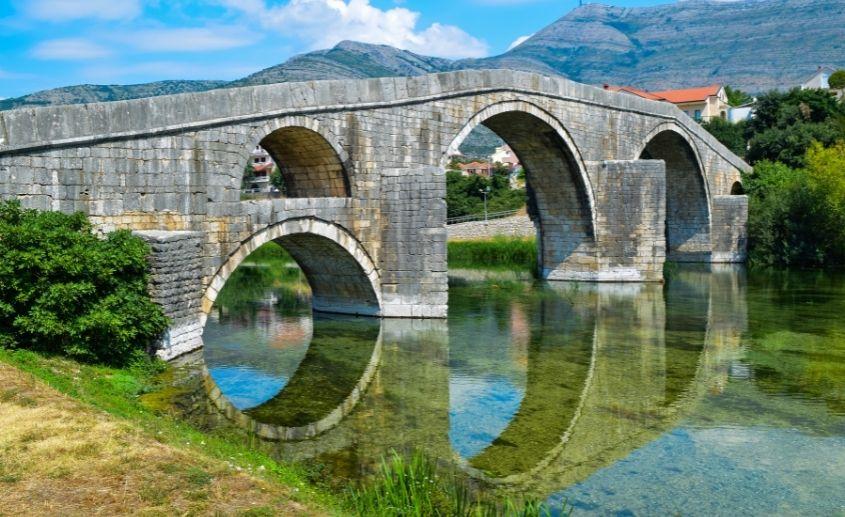 Trebinje sta videti Arslanagica most